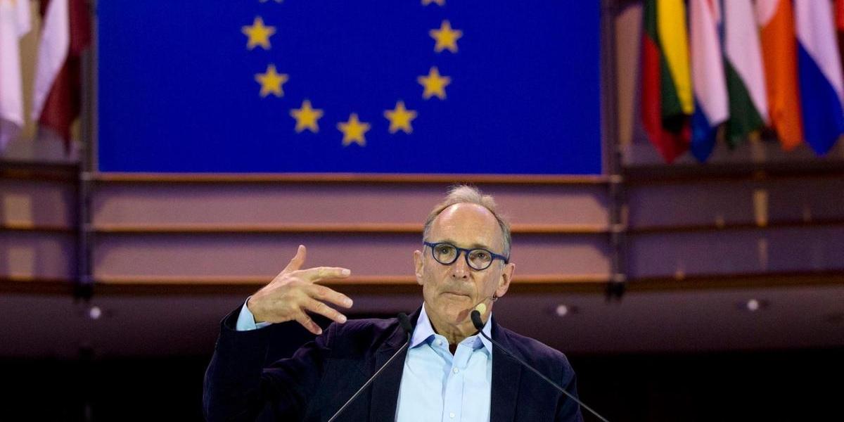 Tim-Berners-Lee-save-the-Web.jpg